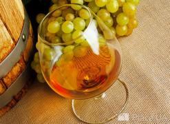 Алкоголь для відпочинку, свят та дозвілля. Коньяк,ром,шампанське