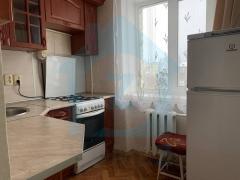 Без комісії! Продам 2-кімнатну квартиру по вул. Сергієнка, 15