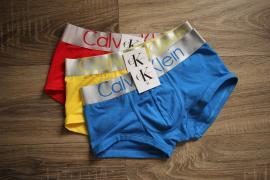 Чоловіче і жіноче нижню білизну Calvin Klein, труси