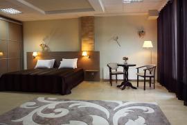Готель біля моря в Одесі 640 м кв, 7 номерів