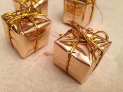 """Іграшки на ялинку подаруночки (золоті) """"коробочки"""""""