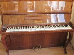 """Купити піаніно білого кольору. Піаніно білі """"Petrof"""", Rosler,,Shol"""