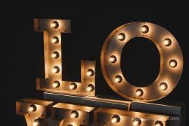 Об'ємні металеві літери LOVE з підсвічуванням, в оренду р. Київ
