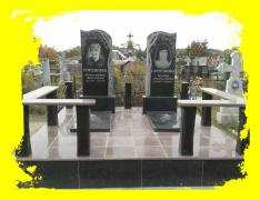 Пам'ятники на одного з граніту (комплект)