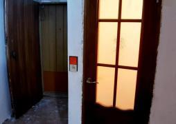 Продам 1 кімн квартиру з ремонтом 12 квартал Козака Мамая 18