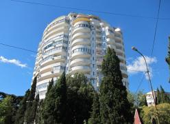 продам 2 кім квартиру в Ялті