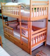 Продам двохярусне дерев'яна яні ліжко з ортопедичними матрацами