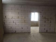 Продам квартиру 64 кв. м. в мікрорайоні Нагорний (старе місто)