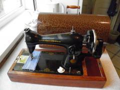 продам недорого швейну машинку