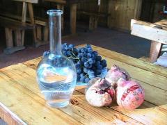 Продам відмінної якості Вино, Чача, Шампанське, Горілку і Коньяк