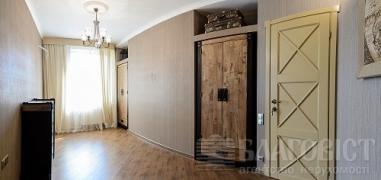Продається 2-кімнатна квартира в елітному будинку
