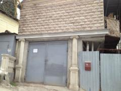 Продається будинок з ділянкою в Ялті