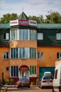 Проживання у готелі Лама