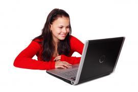 Робота за комп'ютером для жінок у зручний час