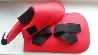 Товари для боксу та єдиноборств (шолом, лапи, фути і т. д.)